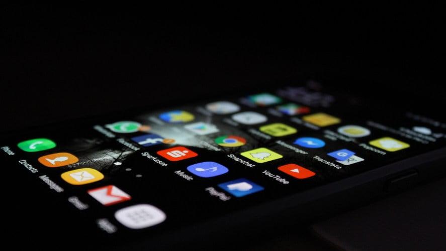 aplikacije na ekranu android telefona